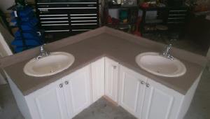 Corner Countertop with sinks