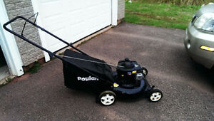 LIKE NEW - Poulan Gas Lawn Mower