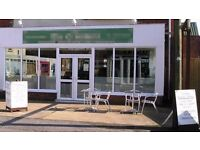 RESTAURANT to buy 2 bed flat above fully fitted