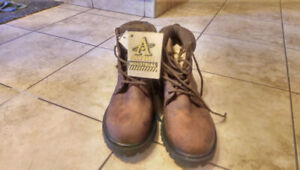 For sale: Altra Industrial size 11 safety boots.