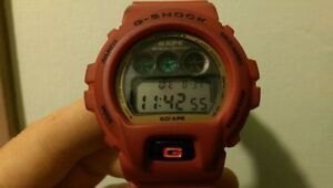 RED BAPE G-SHOCK ROUGE A BATHING APE