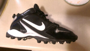 Nike Size 13 Mens Rugby Cleats