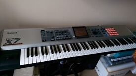 Roland Fantom X7 Workstation Sythesizer. Very Good Condition