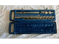 NICE BOOSEY AND HAWKES FLUTE, WITH CASE