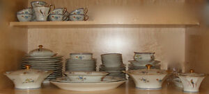 Limoges Paradise pattern fine dinnerware / dining china / dishes