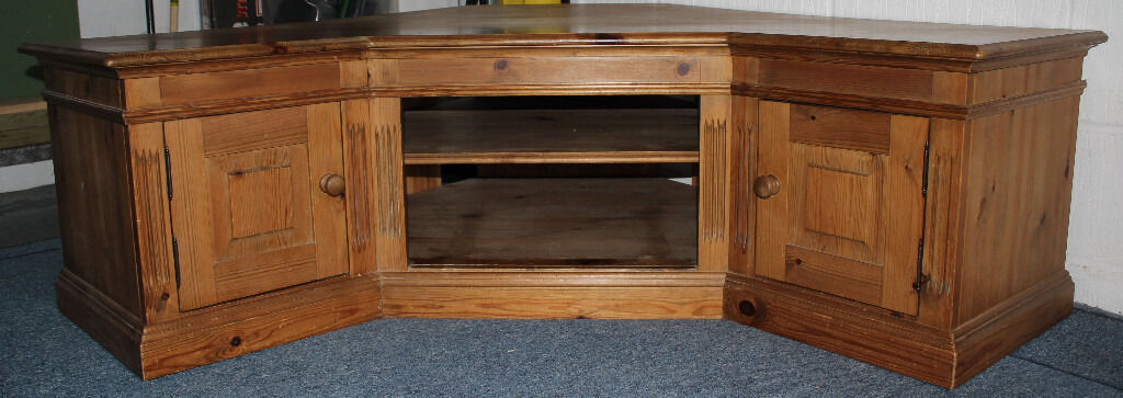 solid wood pine tv corner cabinet l shaped in plymouth devon gumtree. Black Bedroom Furniture Sets. Home Design Ideas