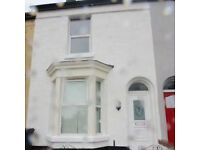3 Bed For Rent Kings Road L20