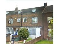 LARGE DOUBLE ROOM - EASY A3 & SOUTH CIRCULAR ACCESS - £530 PCM ALL BILLS INC.