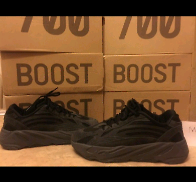 ADIDAS YEEZY BOOST 700 V2 VANTA BLACK EXCELLENT QUALITY BRAND NEW FREE i Leeds, West YorkshireGumtree i Leeds, West Yorkshire Gumtree