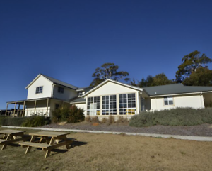 LUXURY HOLIDAY ACCOMMODATION 40 BEDS FROM $49PP WORK XMAS VENUE Berrima Bowral Area Preview