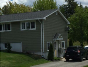 Bright 2 Bedroom Apt. in Private Home - Quispamsis