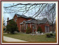 Beautiful  4 Bdrm Home Located In The Heart Of Woodbridge!!