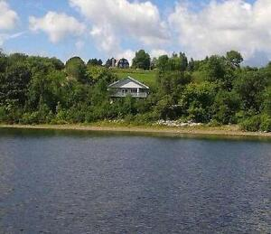 170 feet of Waterfront, Custom built Cottage in Hatfield's point