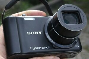 Sony Cyber-shot digital camera DSC-H55 14.1-megapixel 10X optica