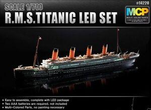 ACADEMY 14220 R.M.S.Titanic WITH LED set 1:700 Multi Coloured Parts Kit