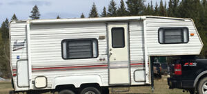 Nomad Fifth Wheel trailer