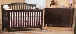 Crib/Couchette convertible to double bed + dresser and more