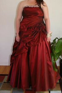 Plus Size Dresses For Sale! (Grad/Prom/Special Occasion) MUST GO