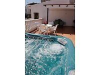 Beautiful 2 bed 2 bath Bungalow with private Hot Tub in Las Americas Tenerife