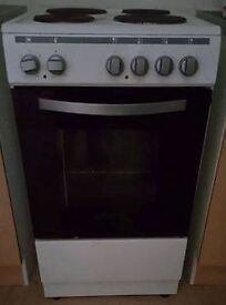 Montpellier White and Black Electric Cooker For Sale.