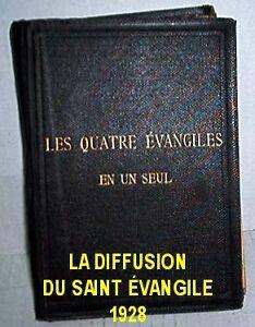 Livre Les Quatres Évangiles Book