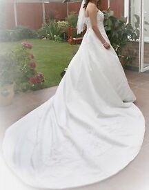 """AMAZING Ivory """"FY"""" wedding dress / bridal gown lots of detail, Huge train 6ft, Excellent Cond. £370"""