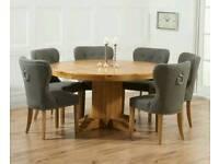 Solid oak dining te