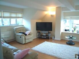 3 bedroom flat in Lilliput, BH14