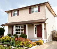 ***Moving to Kitchener? Renovated Detached 4 Bed with Walkout***