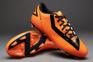 Soccer Cleats - Size 8