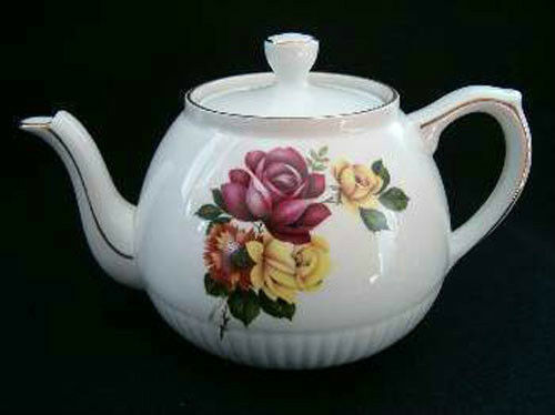 Vintage Ellgreave England Ironstone Teapot Red Roses EC