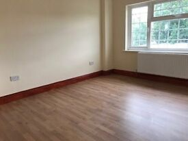 5 LARGE DOUBLE ROOMS IN SHARED HOUSE AVAILABLE IMMEDIATELY IN NEASDEN