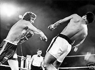 Muhammad Ali Joe Bugner Boxing #2 10x8 Photo