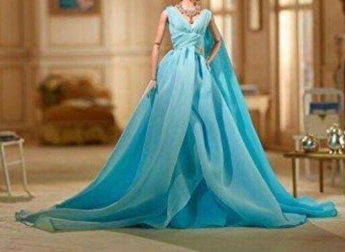 Barbie Convention 2019 GAW Blue Chiffon Ball Gown Silkstone Fashion Accessories