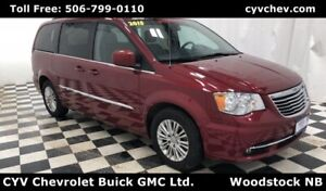 2015 Chrysler Town & Country Touring - Leather, Rear Camera & Po