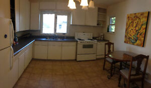 2 1/2 Bedroom for Rent ! Heat and Lights INCLUDED ! Furnished !