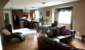 BUILT IN 2007 / 2 STORY / 4BED /4 BATH / BASEMENT SUITE WITH SEP