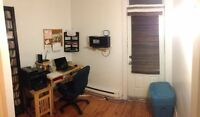 Female student roommate--furnished room, 5min from De L'Église