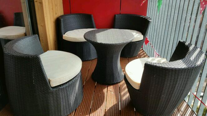 5 PC RATTAN GARDEN PATIO FURNITURE VASE SET TABLE 4 CHAIRS STACKABLE