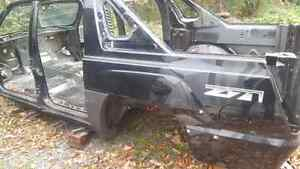 2004 Chevy avalanche body structure Kingston Kingston Area image 4