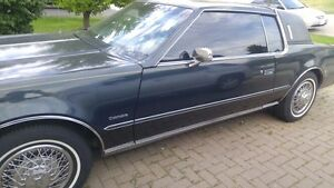 Reduced for quick sale! Oldsmobile Toronado car blue v8 CALSSIC