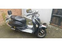 Moped 125 motorcycle scooter valences auto twist and go only 999.