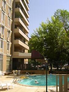 Outdoor Patio View of River, Heated Pool, Sauna AirConditioned