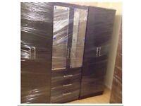 Black 6 door wardrobe (fixed)