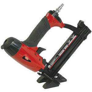 4 IN 1   18 GA. STAPLER/ FLOORING BRAD NAILER