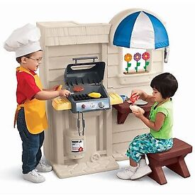 Little Tikes Inside/Outside Cook & Grill Kitchen