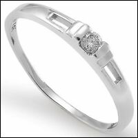 14K solid white gold with solitaire diamond