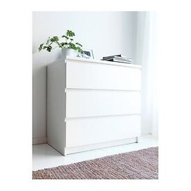 Chest of Drawers, 3 large drawers. White.