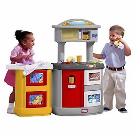 Little tykes play kitchen (used)