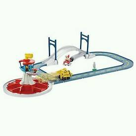 paw patrol lookout &track